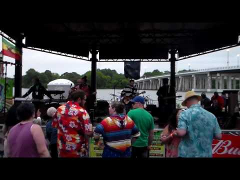 Keith Poppin backed by Crucial Fiya at the Chesapeake Bay Reggae Festival 2017