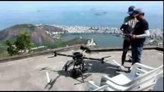 KOREANOS ROUBAM A CENA FILMANDO COM DRONE GIGANTE NO CORCOVADO