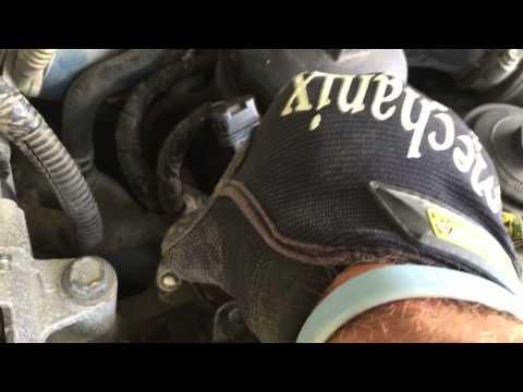 Fixit in 60 Seconds: Clean EGR Valve F250 6.0 Diesel