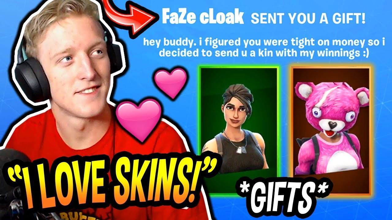 tfue-opens-his-new-gifted-skins-commando-cuddle-team-leader-by-tim-cloak