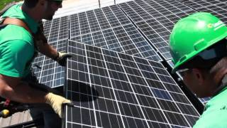 Repeat youtube video Clean Energy Made Easy with SolarCity -- See How Solar Energy Works