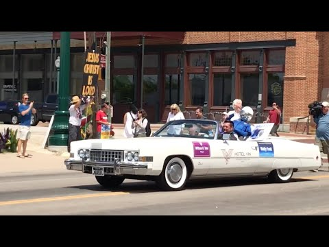 blue origin crew member wally funk honored with a parade in grapevine, tx!