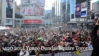 420 Toronto 2014 Yonge Dundas Square