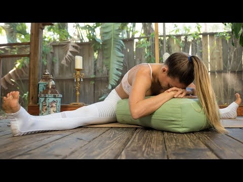 Restorative Yoga for Weight Loss: Reduce Stress, Practice Mindfulness, Feel Good in Your Skin