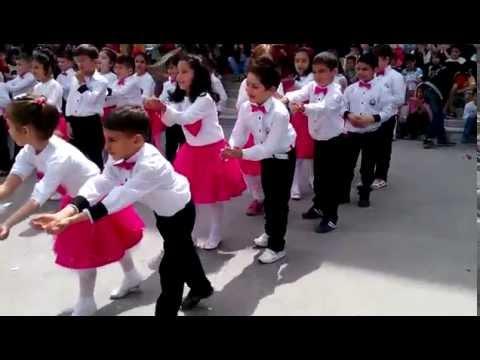 Istoç Ilköğretim Okulu 23 Nisan Tuttu Fırlattı Kalbimi