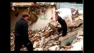 Sebastian piñera sufre caída en demolición de edificios - Video Oficial
