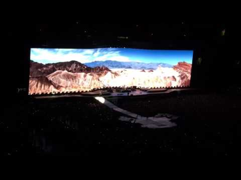 U2 Live - With or without you - May 2017 Vancouver Concert - Joshua Tree