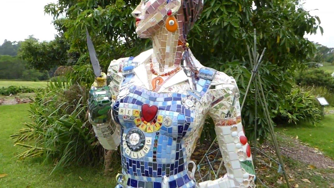 Superieur Mosaic Scarecrow Eco Garden Art