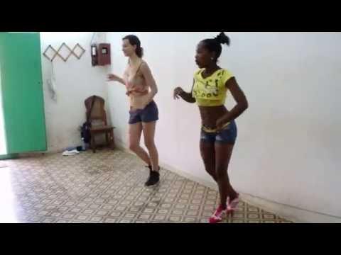 Clase de Salsa Cubana para mujer, Trinidad, Cuba 2014, Miriam & Nuria