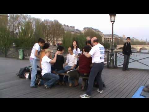 Outdoor massage in Paris by STREET RELAX