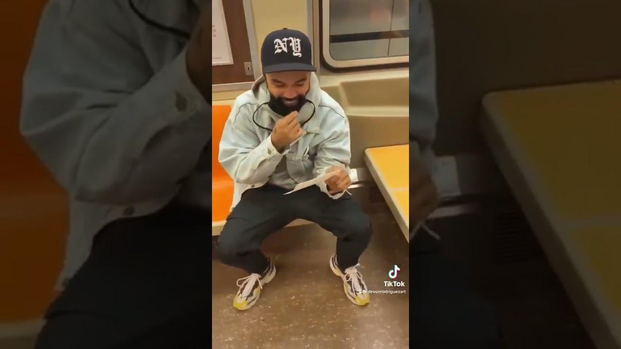 Stranger Reacts to Subway Drawing #shorts