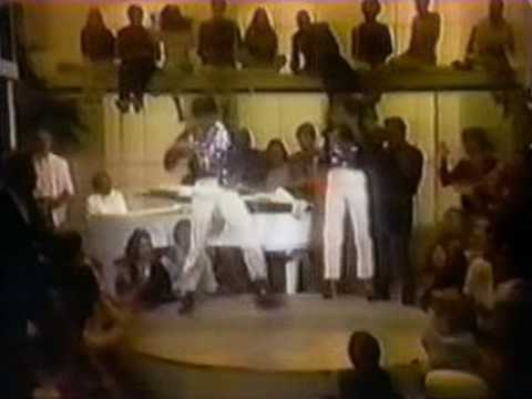 """Michael Jackson & Diana Ross - """"Ease On Down The Road"""" (live)"""