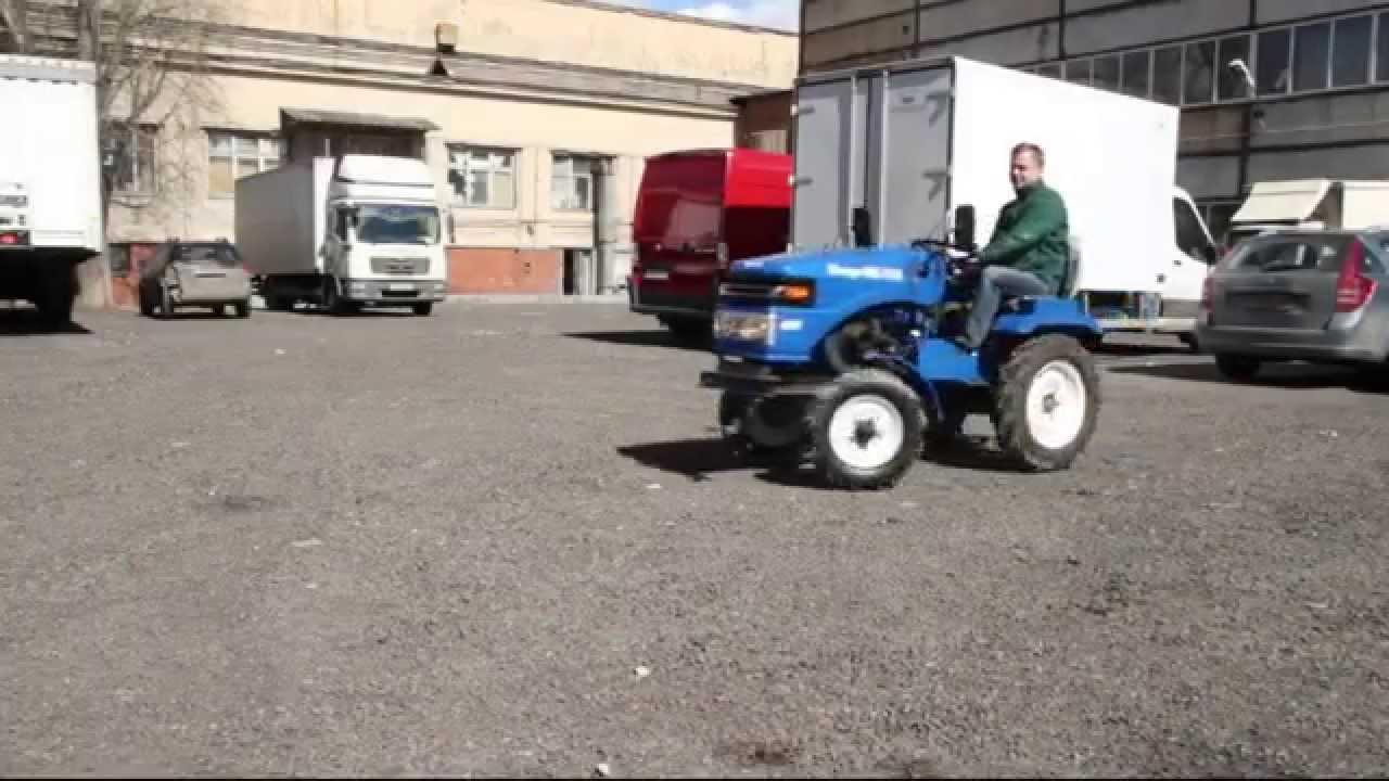 Садовый трактор может косить траву, еще можно проводить мульчирование и аэрирование почвы, а также боронование и вспахивание земли. Также такая машина поможет при вывозе снега или сезонной уборке участка. Мы предлагаем купить минитрактор, который оборудован мощным двигателем и.