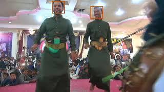 """حوثيون يقتحمون حفل زفاف وسط اليمن ويعتدون على الفنان """"ملاطف الحميدي"""" ويحلقون شعره الطويل!"""