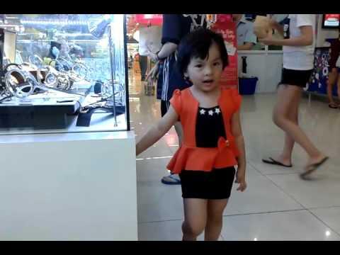 For kids - Bé Ruby Anh Thư đi siêu thị Coopmart