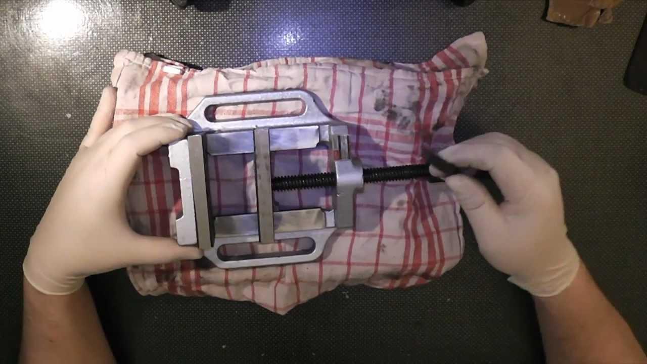 unboxing gebraucht bosch s7 bohrst nder maschinenschraubstock neu full hd deutsch youtube. Black Bedroom Furniture Sets. Home Design Ideas