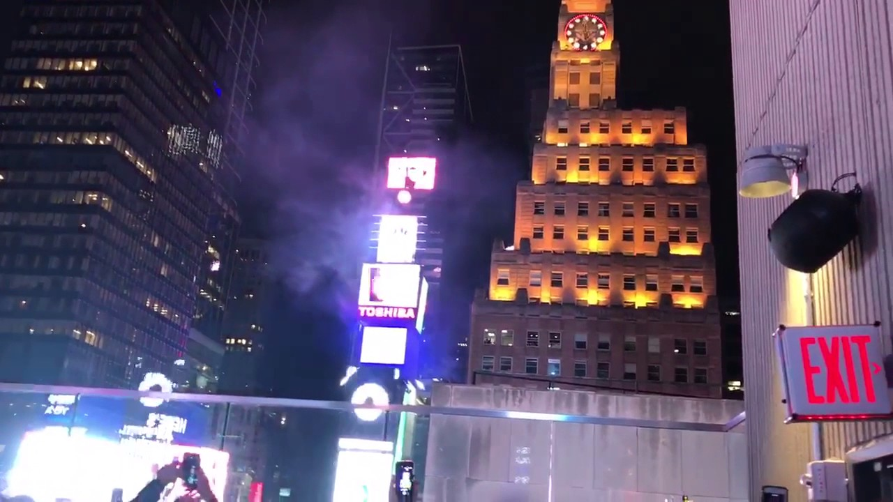 New Years Ball Dropping in New York City 2016-2017 From ...