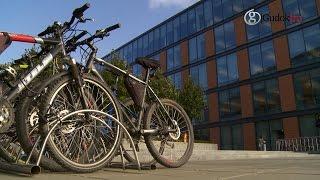 Москвичам предложили пересесть на велосипеды(Департамент транспорта совместно с проектом Let's bike it! проводят акцию в поддержку велосипедистов. В понеде..., 2014-09-23T12:20:22.000Z)