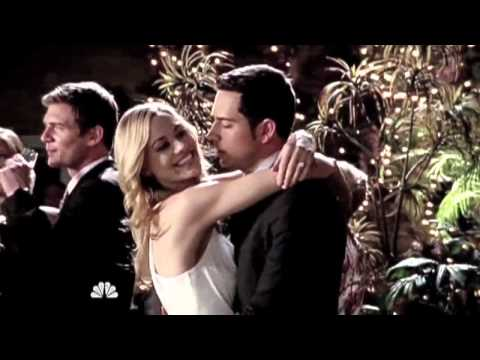 Chuck & Sarah-Beautiful Love Scenes (Holding A Heart)