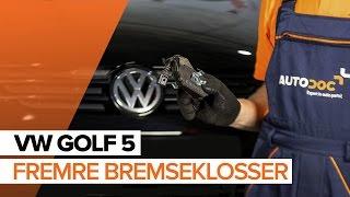 Hvordan skifte Bremsekloss på VW GOLF V (1K1) - videoguide