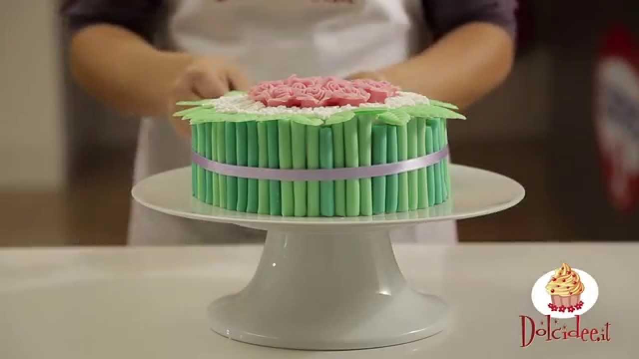 Mazzo Di Fiori Con Pasta Di Zucchero.Le Videoricette Di Dolcidee Torta Mudcake Bouquet Di Rose E