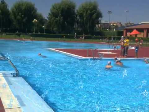 Polideportivo municipal la palomera le n youtube for Piscina cuadros leon