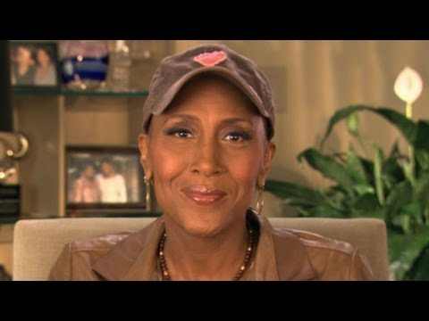 Superstorm Sandy: Robin Roberts' Special Message for ABC's Day of Giving Telethon