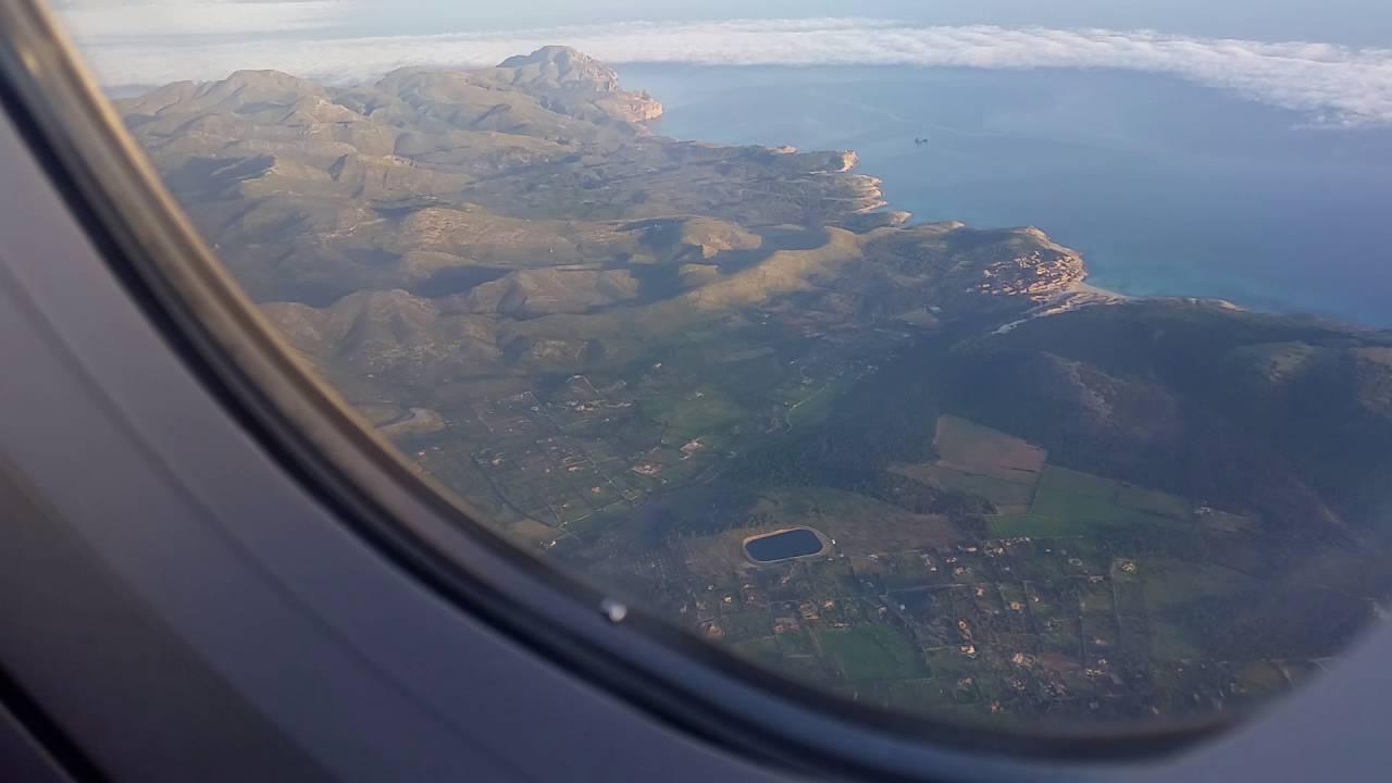 Blick Auf Mallorca Aus Dem Flugzeug Youtube