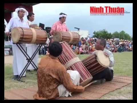 Các làng Chăm Ninh Thuận mừng đón Mbăng Katê 2012