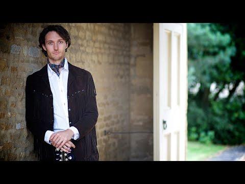 Male Solo Singer & Acoustic Guitarist | James - Singer / Guitarist