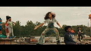 Смотреть клип Brooklyn Queen - Way More Lit