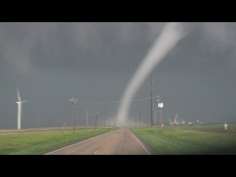 Dimmitt, TX Tornadoes 4-14-17 Val and Amy Castor