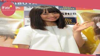 大友花恋(18)が11日、都内で初カレンダー発売記念イベントに出席...