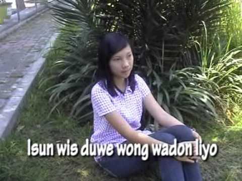 Download lagu lir pedhote banyu catur arum layangan