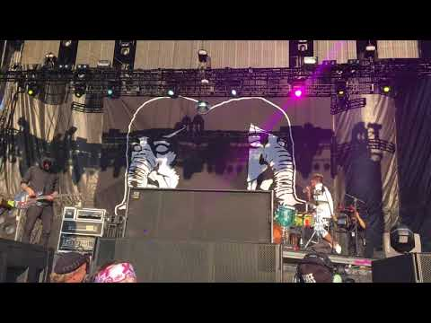 Death From Above - Holy Books (live @ Riot Fest)