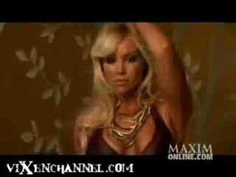 Sexy Singer Candice Hillebrand