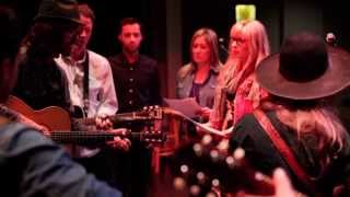 "Over The Rhine / The Lone Bellow / eTones - ""Slip Sliding Away"" (etown webisode #437)"