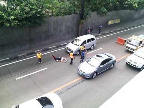 Motor cycle accident buendia fly over kanina lng po