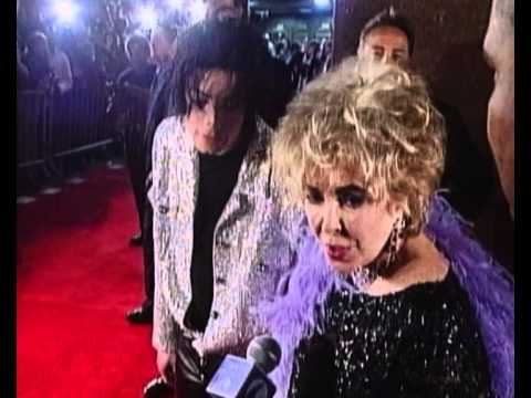 Michael Jackson & Elizabeth Taylor In An Interviews On The Red Carpet