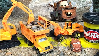 DISNEY CARS WITH MIGHTY MACHINES DUMP TRUCK EXCAVATOR CEMENT TRUCK FRONT LOADER RESCUES MATER