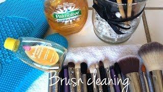 Brush cleaning Thumbnail