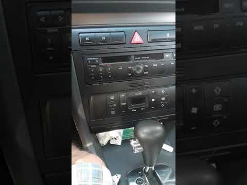 Audi  заблокована магнітола