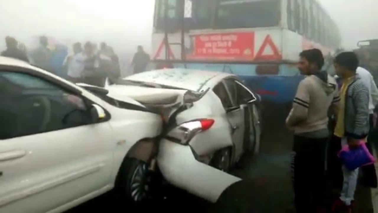 Every Year 9000+ Car Crashes Occur Due To Fog, Here Are Few Life ...