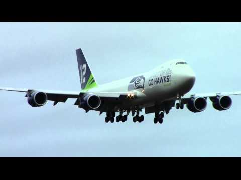 Seahawks 12th Man Boeing 747-8 Lands at Paine Field 1-30-14