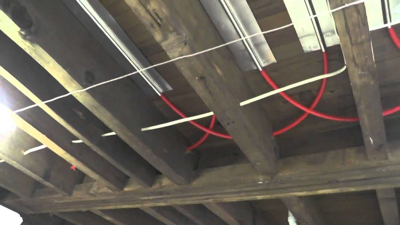 Hydronic Radiant Floor Heating System Comparisons Youtube