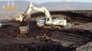 LIebherr R 984C loading coal in trucks