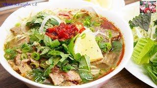 BÚN BÒ HUẾ - Cách nấu món Bún Bò Huế Tái - món Bún kiểu mới lạ thơm ngon tuyệt vời by Vanh Khuyen
