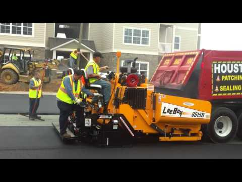 LeeBoy's NEW HD Electric Legend Screed