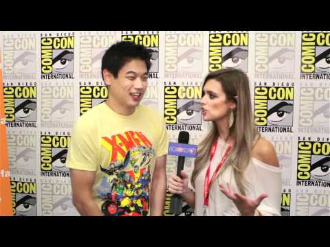 Ki Hong Lee Talks 'Nine Lives Of Chloe King' At Comic Con