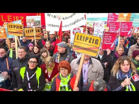 Siemens-Mitarbeiter protestieren gegen geplanten Jobabbau